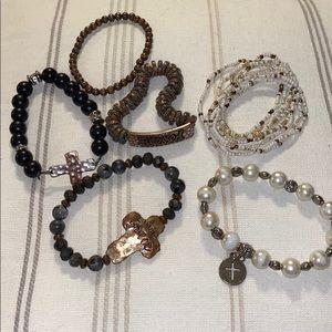 Jewelry - Lot of 7 stretch bracelets